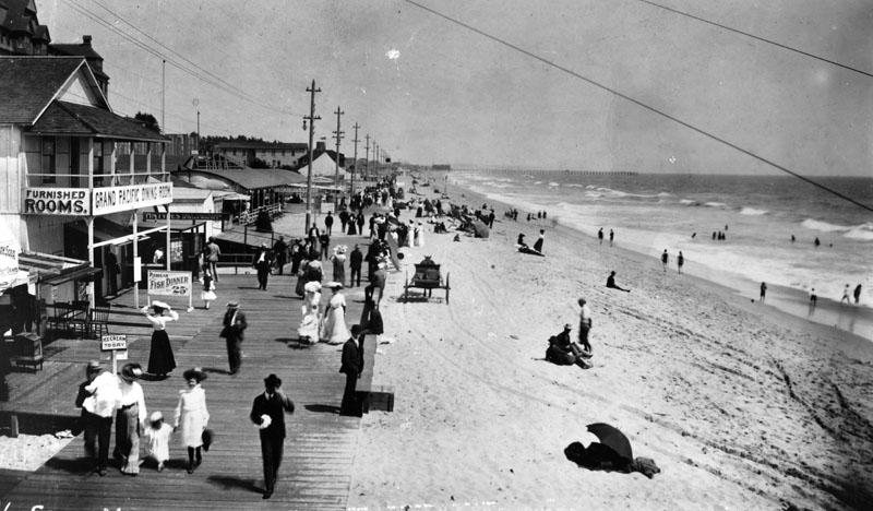 A boardwalk in Santa Monica. 1890. (LAPL)
