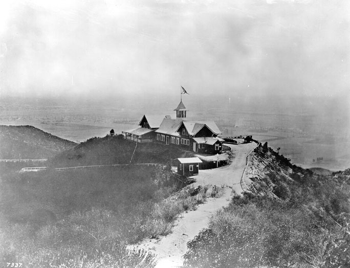 The Lookout Mountain Inn in 1916. Built by Charles Spencer Mann, who developed Laurel Canyon. The Inn burned down in 1920. I should note that a different Charles Spencer Mann built a real estate office at Kirkwood and Laurel Canyon Blvd years later. Neither Manns (pun sort of intended) were related to one another, but I can't help thinking that the newer Mann had to have benefited from having the same name. (Bizarre Los Angeles)