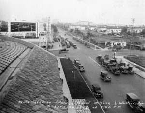 Wilshire and Western in 1926. The Los Angeles Ambassador Hotel is in the distance. (Bizarre Los Angeles)