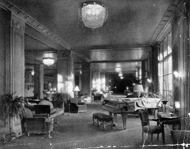 The Los Angeles Ambassador Hotel lobby, circa 1930. (Bizarre Los Angeles)