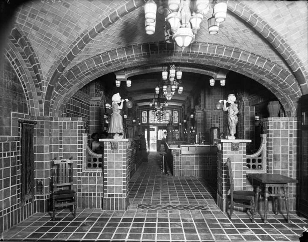 Chocolate Shop 1920