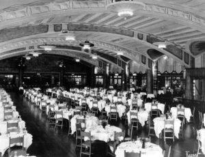 The Los Angeles Ambassador Hotel's Fiesta Room in 1926. (Bizarre Los Angeles)