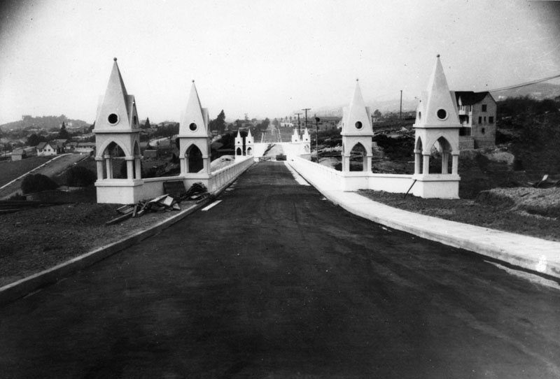 Shakespeare Bridge, located on Franklin Avenue east of Talmadge Street, was still under construction in 1926 when this photo was taken. The bridge was designated a Los Angeles Historic-Cultural historic landmark in 1974. (Bizarre Los Angeles)