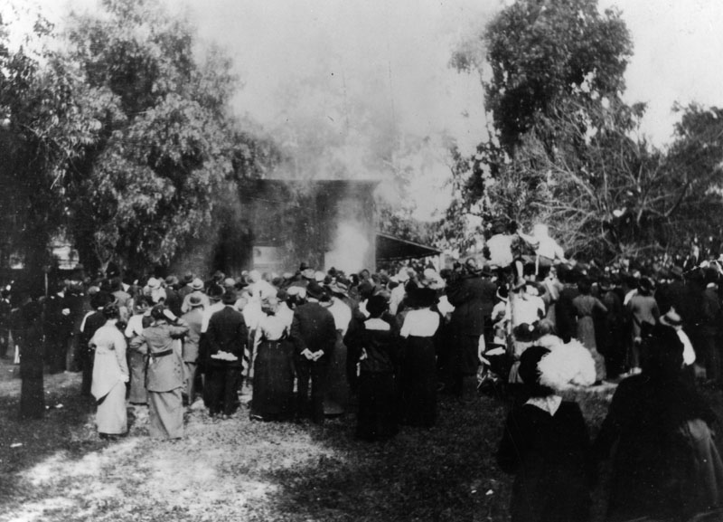 Actors at work for a silent film shoot at what used to be the Bonadiman farm in Edendale, located near what is now known as Benton Way in Silver Lake. Photo circa 1915. (LAPL) Bizarre Los Angeles