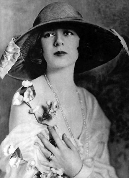 Anita Stewart in 1923. (Bizarre Los Angeles)
