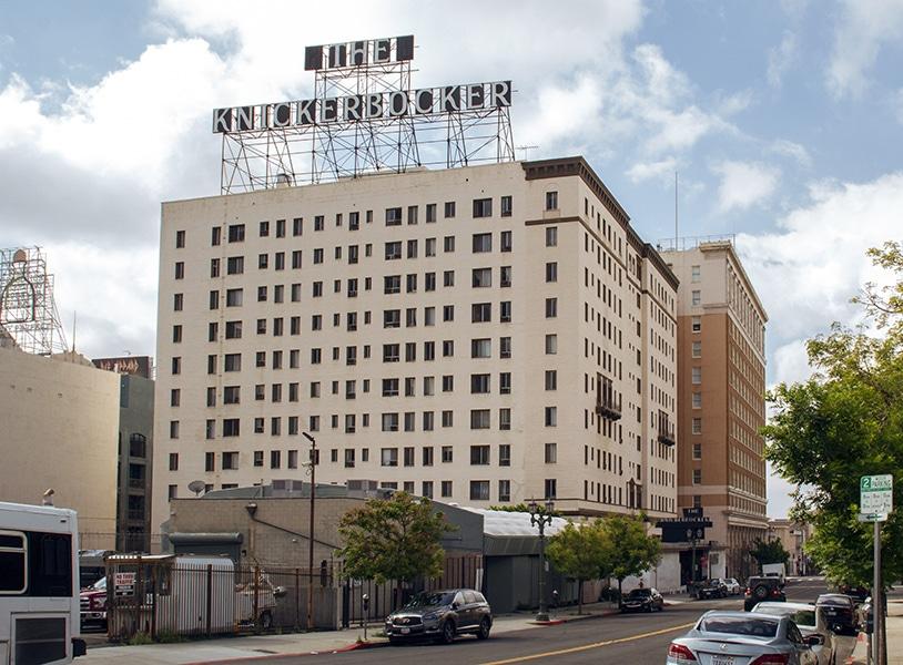 The Hollywood Knickerbocker Apartments (Bizarre Los Angeles)