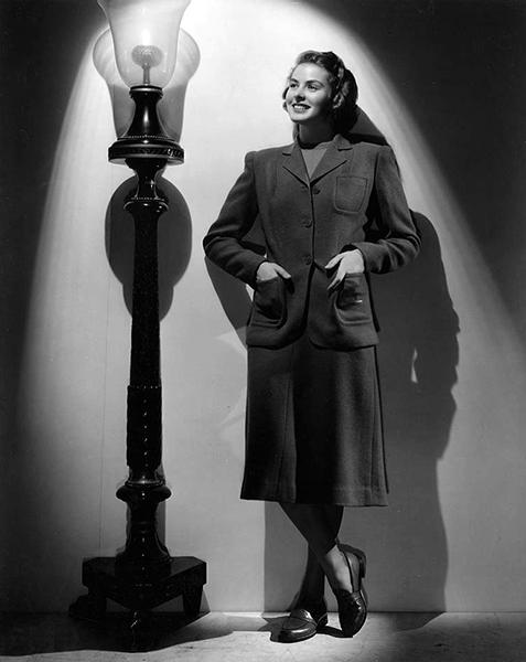 """Ingrid Bergman in """"Gaslight"""" (1944). Bizarre Los Angeles"""