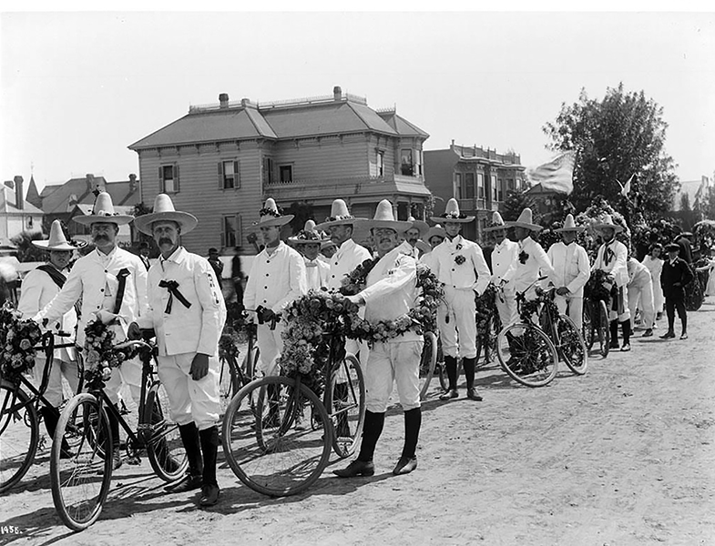 The Wheelmen were regular participants in the La Fiesta de Los Angeles downtown parade in April. Here they are in 1910. (Bizarre Los Angeles)