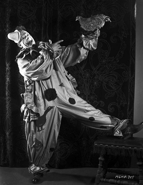 Lon Chaney creepy clown