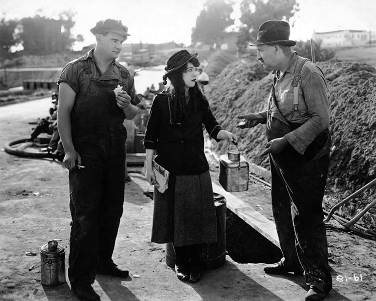 Molly O (1921) with Eddie Gribbon, Mabel Normand and George Nichols. (Bizarre Los Angeles)