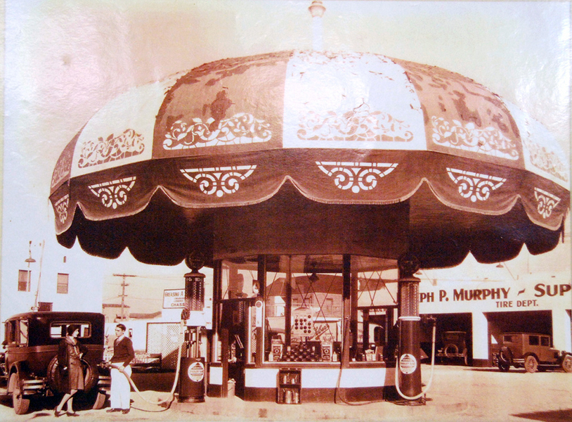 The Umbrella Service Station, General Petroleum Gas, circa 1930, once located at 830 South La Brea in Inglewood. By 1946, the gas station was gone and a retail strip center was built on the site. (Bizarre Los Angeles)