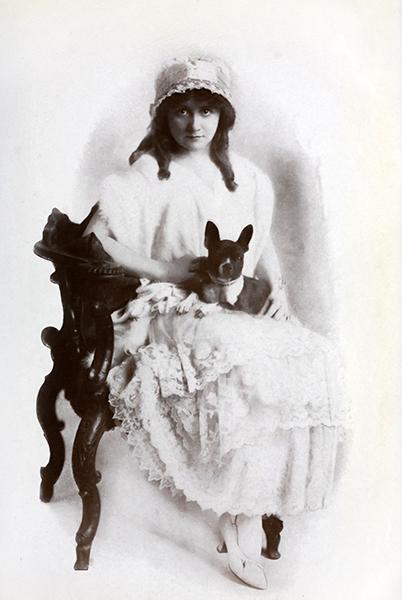 Bessie Barriscale Dog