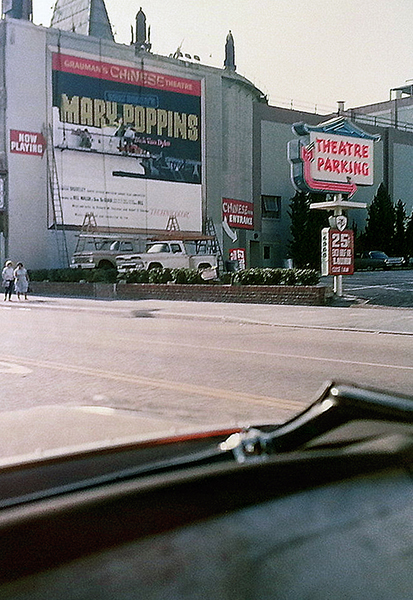 bizarre-los-angeles-1964-mary-poppins-world-premier-sign