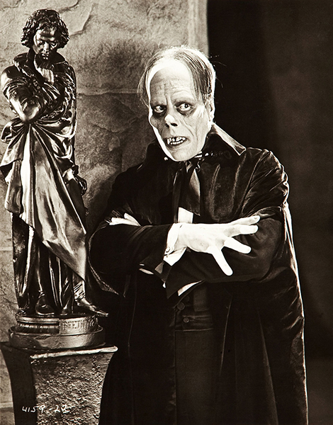 """""""SoLon Chaneymoves like a lonely ghost amid the stark and impressive realism of the men he creates upon the shadow sheet. If you know him on the screen, you know him as well as anyone but his wife and his son and his director. But it must be said that they love him very dearly."""" – Ivan St. Johns, Photoplay Magazine (1927). Bizarre Los Angeles"""