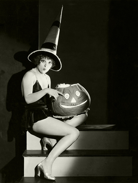 Clara Bow Hollywood Halloween Cheesecake Photos