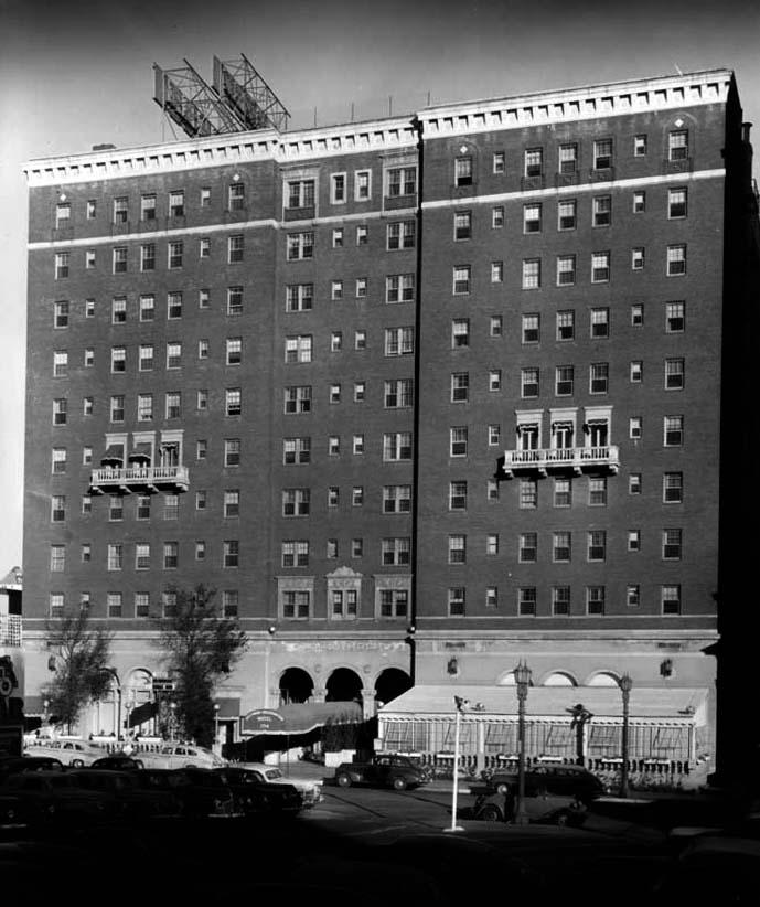 Haunted Knickerbocker Hotel 1714 Ivar Ave Bizarre Los
