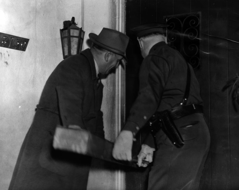 police raid battering ram