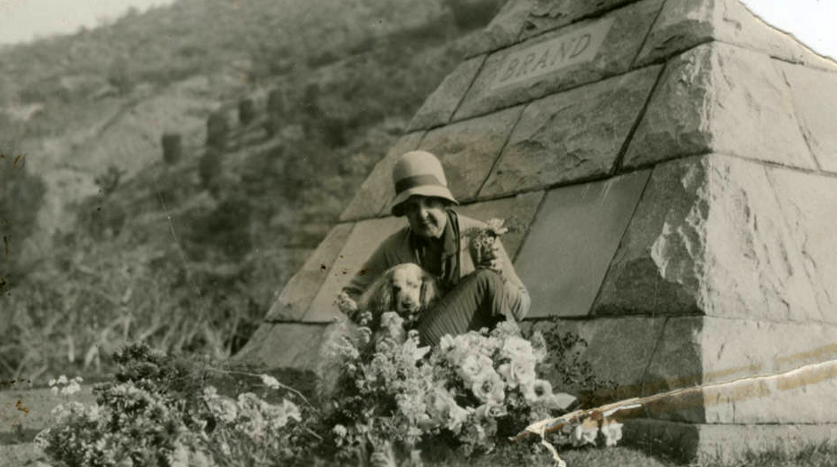 mary_louise_brand_at_husband_tomb