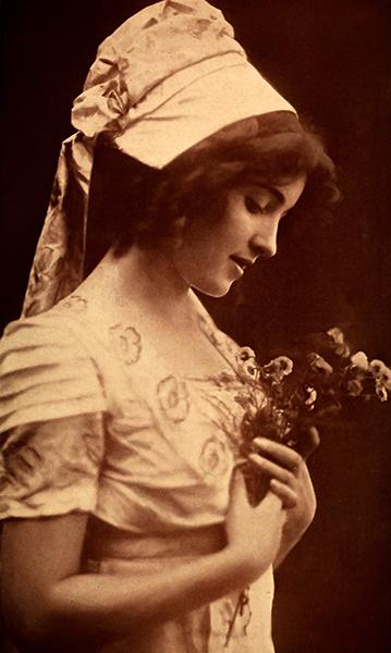 Alice Joyce 1911