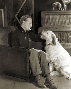 Leslie Howard dog candid