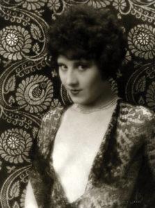 Estelle Clarke