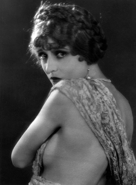 Jacqueline Gadsden (Bizarre Los Angeles)