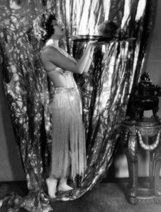 Gwen Lee as Salome. (Bizarre Los Angeles)