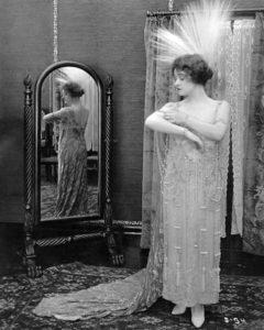 Gladys Brockwell dress 1917