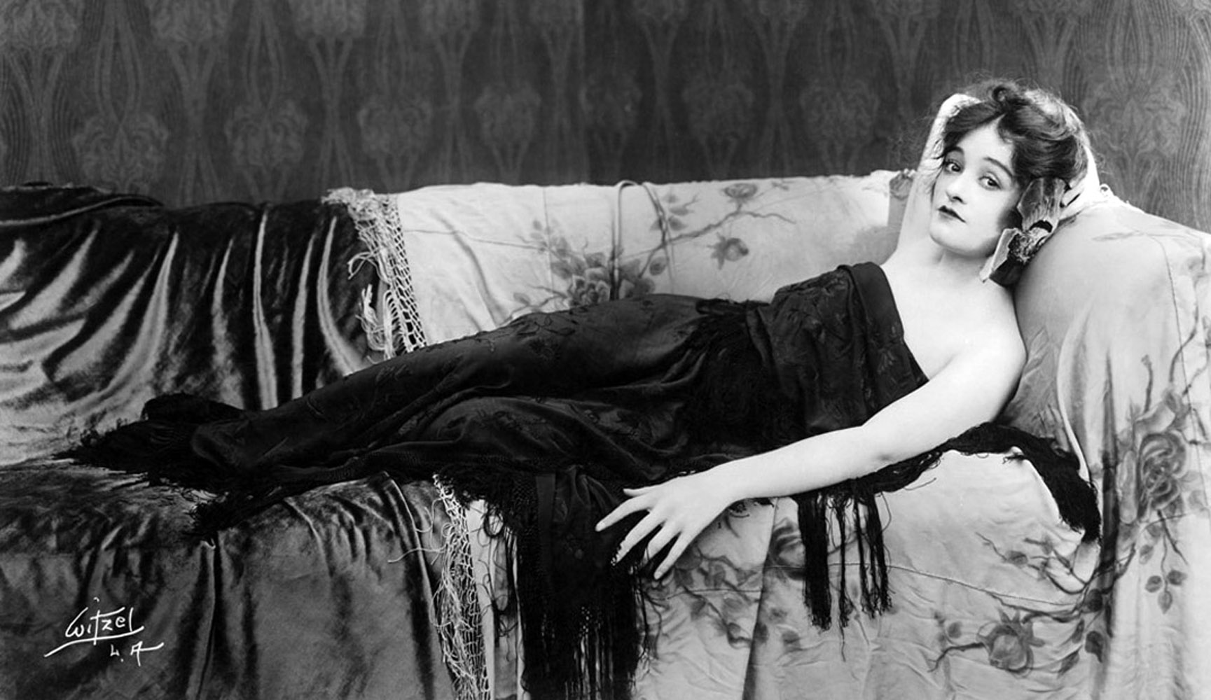 Gladys Brockwell Vamp