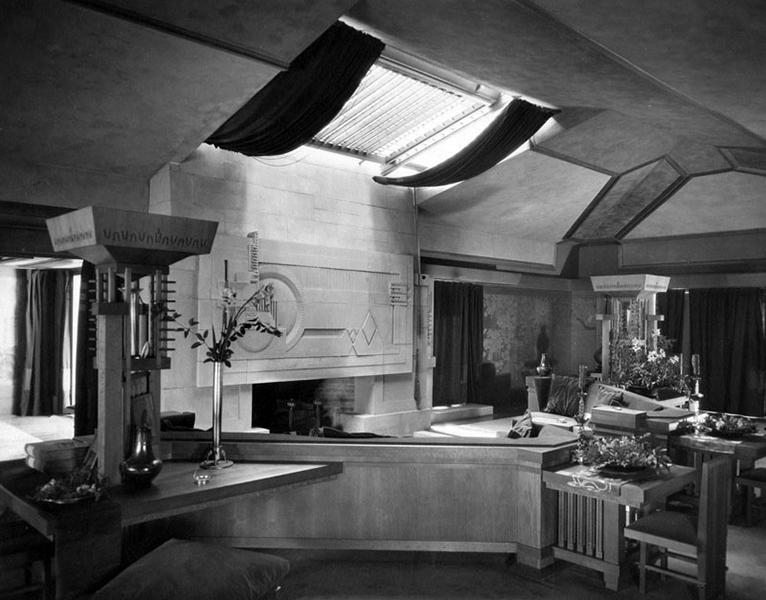 Hollyhock House 1939
