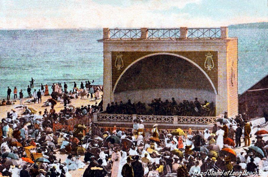 An outdoor concert in Long Beach, circa 1907.