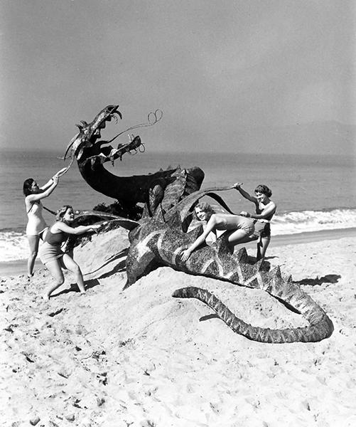 Women Dragon 1940