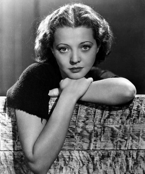 Sylvia Sidney in 1936 (Bizarre Los Angeles)