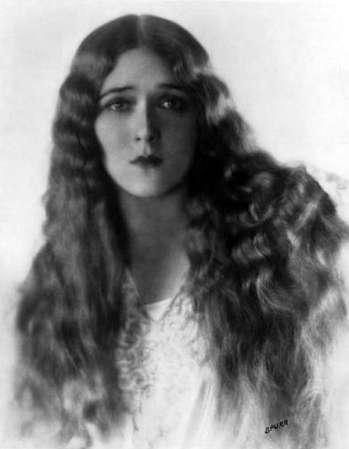 """The little girl made me. I wasn't waiting for the little girl to kill me."" -- Mary Pickford. Photo taken by Melbourne Spurr. (Bizarre Los Angeles)"
