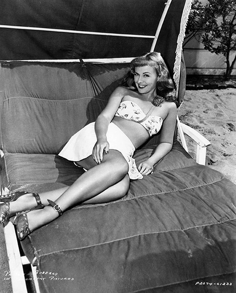 Paulette Goddard in 1948 (Bizarre Los Angeles)