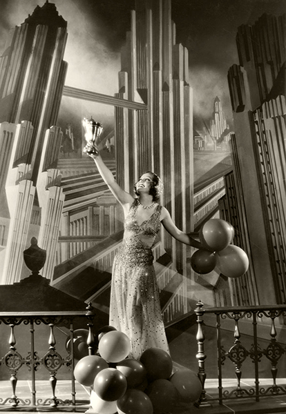 """""""I just stayed in New York and pouted. Then we got together and I decided to serve out my sentence. And I'd better get better stories than the last few were."""" –Nancy Carroll, commenting on her unhappy relationship with Paramount Studiosin June of 1932. (Bizarre Los Angeles)"""