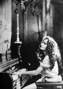 Mary Philbin in 1923 (Bizarre Los Angeles)