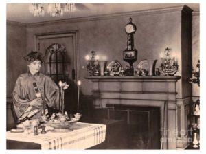 Gilda Gray candid