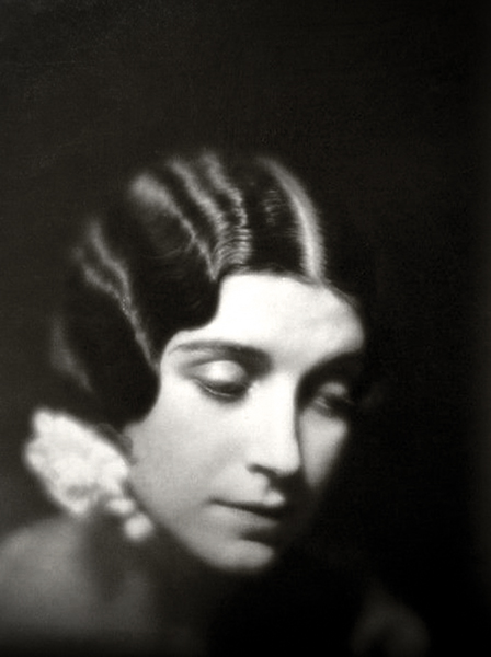 Helena D' Algy