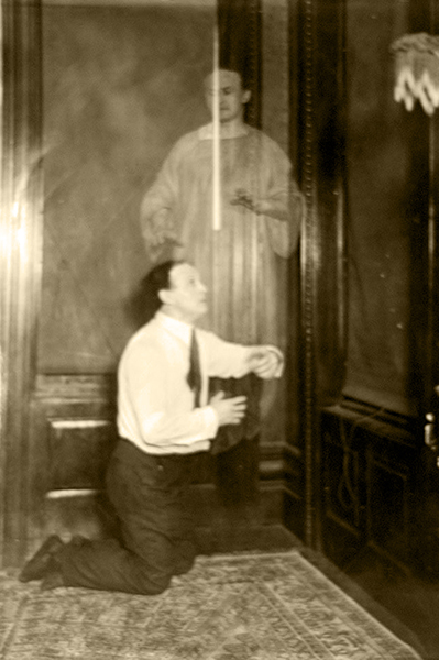 """""""How much more interesting it would be and how much more such photographs would add to our knowledge and aid the advancement of science if once in a while the spirits would permit themselves to be snapped while engaged in some spiritual occupation."""" -- Harry Houdini in 1924. Bizarre Los Angeles."""