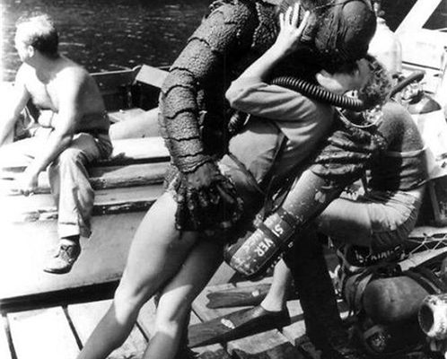Creature from the Black Lagoon kissing