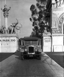 Selig Zoo Luna Park 1928