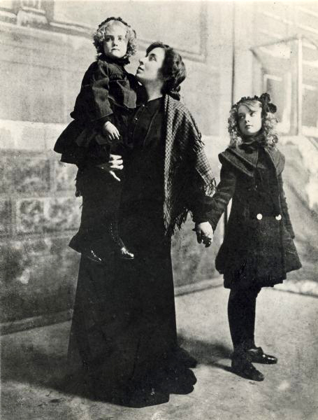 Dorothy Gish May Robson Lillian Gish