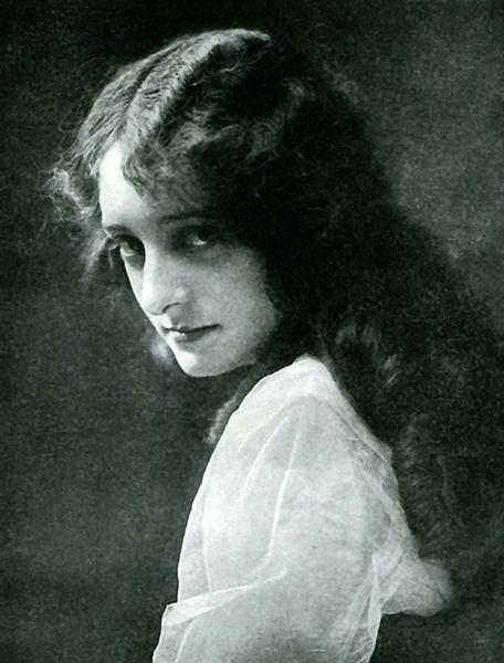 Dorothy Bernard (Bizarre Los Angeles)