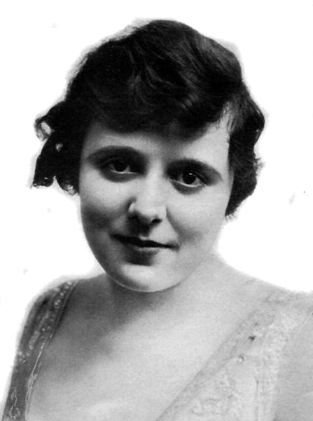 Nell Craig (Bizarre Los Angeles)