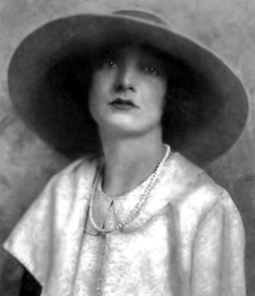 Estelle Winwood 1922
