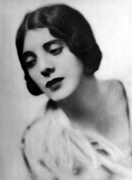 Alma Rubens 1924