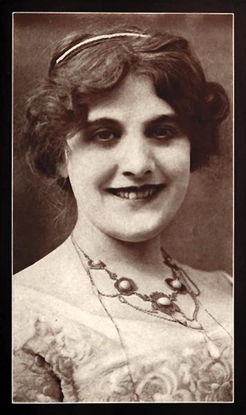 Ormi Hawley smiling