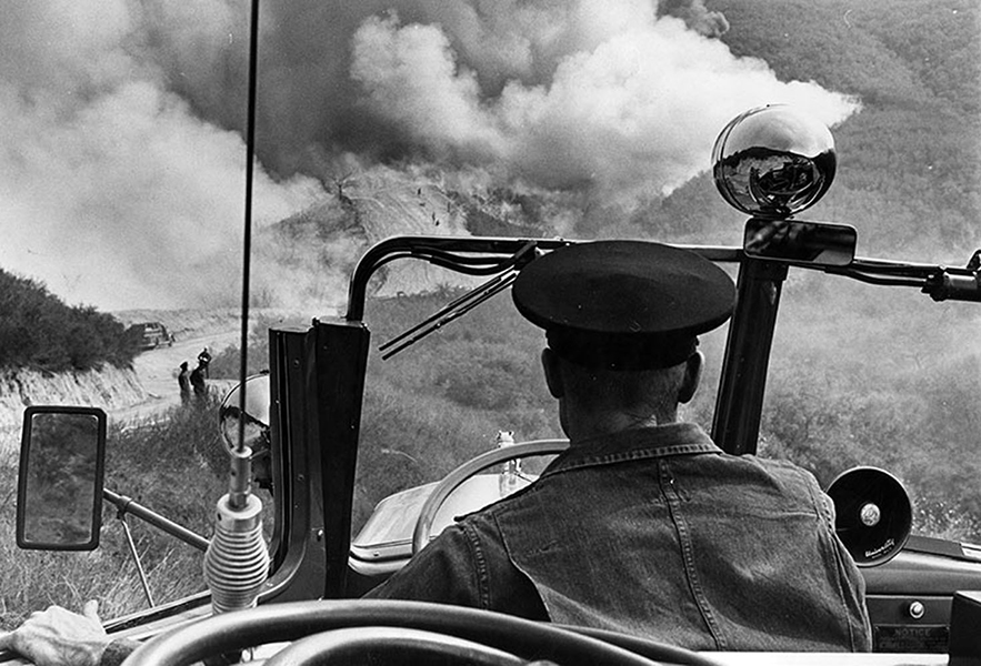 A fireman's point-of-view of a blaze that destroyed 200 acres near La Tuna Canyon in the Verdugo Hills in 1961. (Photographer: Jon Woods / 00114994) Bizarre Los Angeles