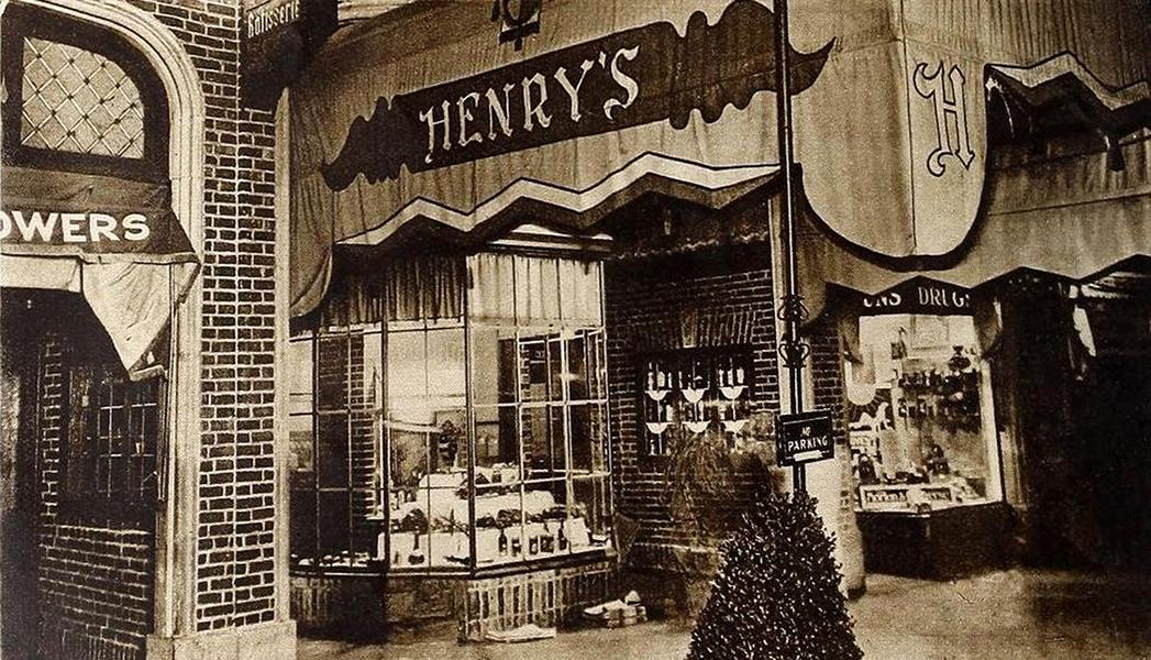 Henry's Restaurant, circa 1930. Bizarre Los Angeles